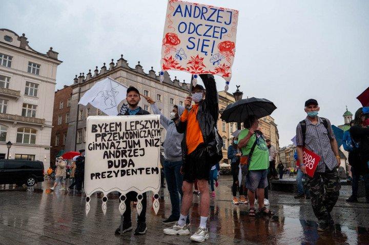 Manifestacja przeciwko Karcie Rodzin, Kraków - zdjęcie: 9/20